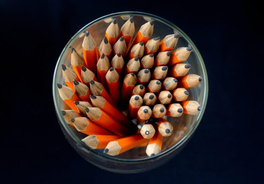 pencils-458033_1920